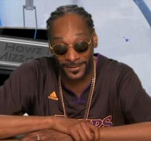 """Snoop Dogg on """"Howz It Mizzade"""""""