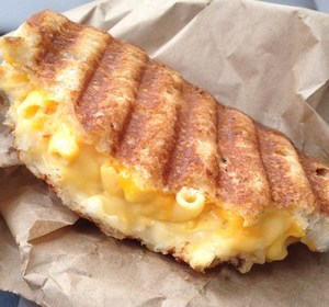 grilled mac and cheese panini
