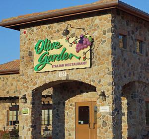 Olive Garden Storefront