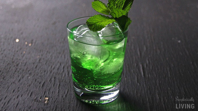 """Luck of the Irish"" green cocktail"