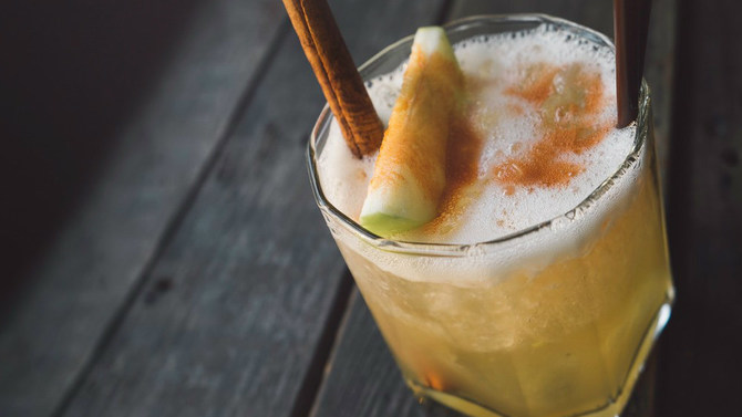 apple cinnamon cocktail